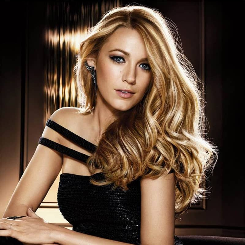 "One of the best ways to show off your thick and long hair is to style them in a loose fashion like Blake Lively. The beautiful actress is known for her super-blonde, sensual hair. Here, the ""Gossip Girl"" star has blow-dried her naturally wavy tresses and used some spray to keep the style in place."