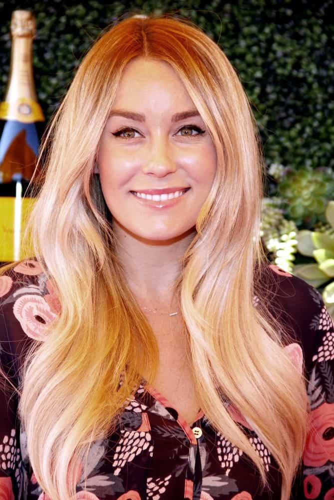 If stylish, funky and gorgeous had a face, she would be it. Lauren Conrad simply rocks her long, sleek highlighted hair that has been colored using a mixture of different stunning colors. The highlights include shades of pink, yellow, subtle orange and honey-like tones that look absolutely wonderful. This look is also a little towards the bold side so for anyone looking to experiment with their hair; this hairstyle is for them.