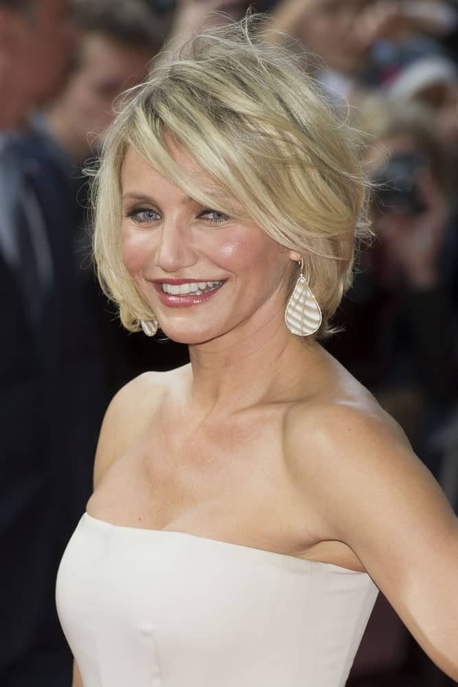 Well, if it isn't the fan-favorite Cameron Diaz who seems to never age. She is rocking this short, bold hairstyle flawlessly with sleek layers of short hair cut into a short bob and loose strands of hair falling onto her forehead.