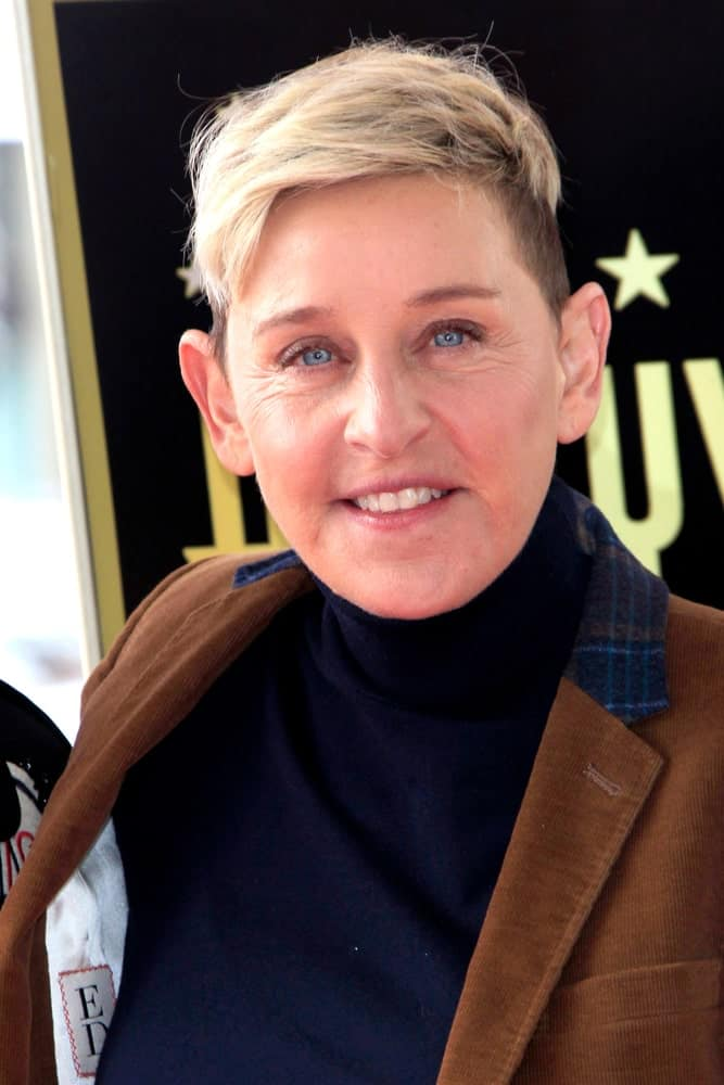 Ellen is definitely bringing back the platinum blond short hair with the shaved off sides. It looks really sophisticated and doesn't take any effort to maintain either.
