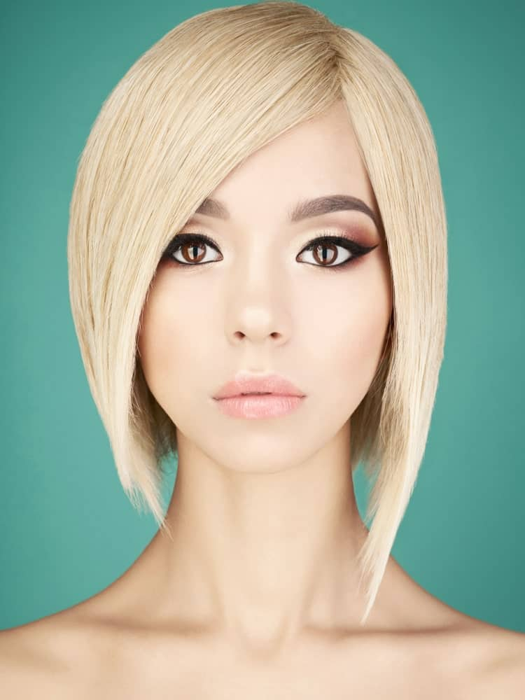 A line bobs simply never stop trending. They look extremely sophisticated and accentuate the jaw line in the best way possible. This hairstyle looks great with super sleek hair that can make the A line hair stand out.