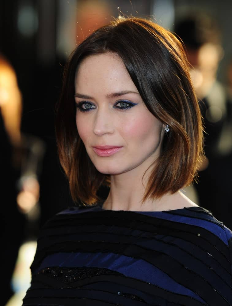 Emily Blunt looks spectacular in her amazing short, brunette hair. Although this hairstyle is super simple, it still manages to stand out. It is a classic bob that has been styled in a certain angle to give the hair an elevated look.