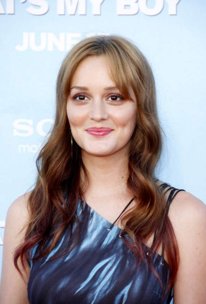 She might be famous for playing the snooty rich girl in Gossip Girl, but the fact is that everyone loves Leighton Meester nonetheless. Here we see the charming beauty sporting a really fascinating hairstyle for women with curly hair. While she merely wears the loose curls on both sides, what makes her look unique is the distances eyebrow-level bangs combined with a trendy hair color that starts out as pale blonde near the roots and gradually darken into mahogany brown at the tips.