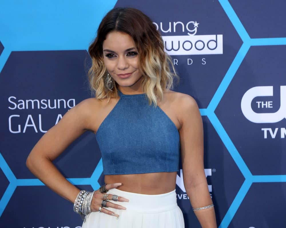 Vanessa Hudgens looks ravishing in this short bob with gorgeous low lights. While the top of her hair is a beautiful shade of brown, the bottom has been given blonde low lights that look funky and unique.