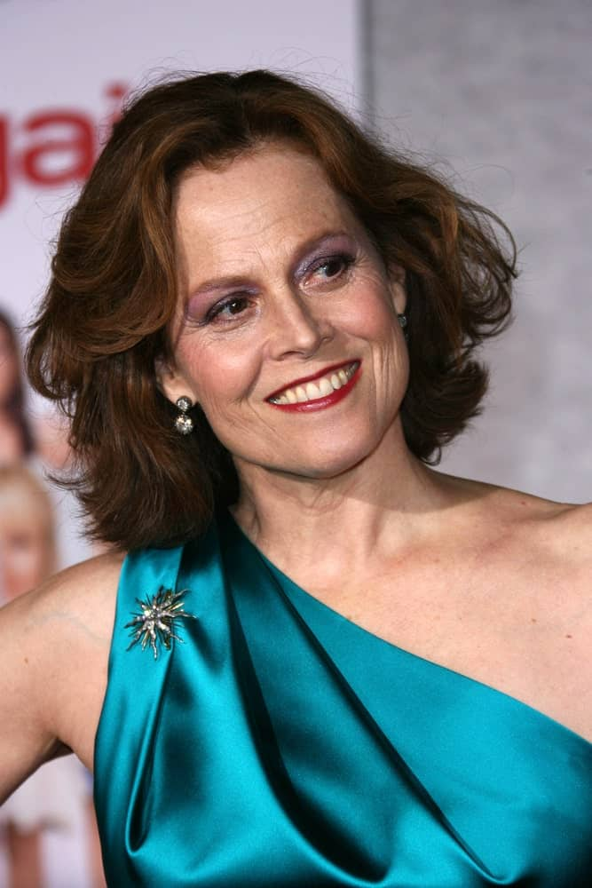Still not convinced that a layered bob is a go-to style for almost every woman? Then check out Sigourney Weaver looking fresh and energetic in this slightly ruffled, layered short hairstyle.