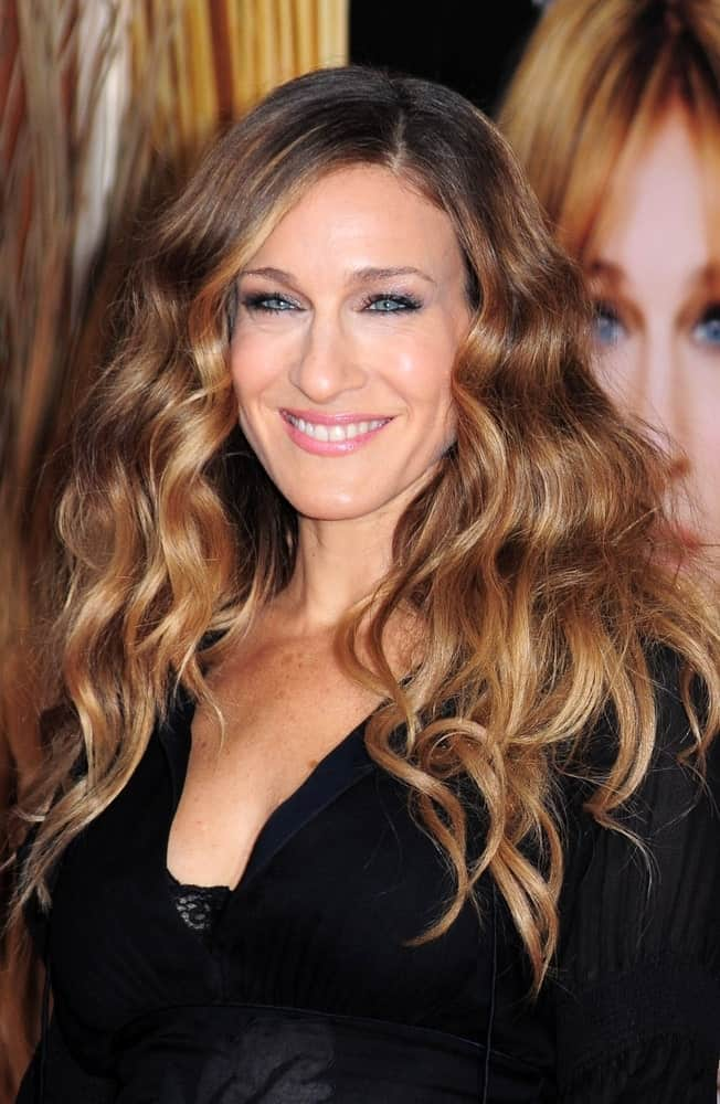 If you love Sarah Jessica Parker, then you will also love the way she embraces her curly hair and lets them lose every now and then to look well-groomed and attractive.