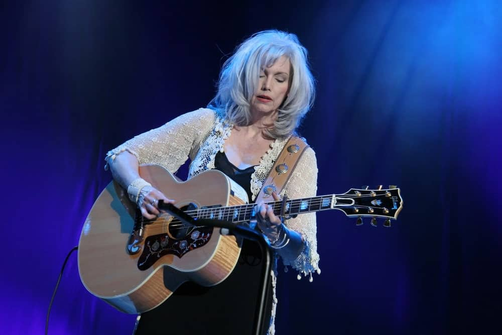 Another mature beauty, singer-songwriter, Emmylou Harris, has never let age scare her away from what she does best. The beautiful country singer has embraced her natural white hair, which remains thick and luxuriant as always. Here, Harris opted to give her hair thick feathery layers curling inwards and soft wispy bangs swept to the side.