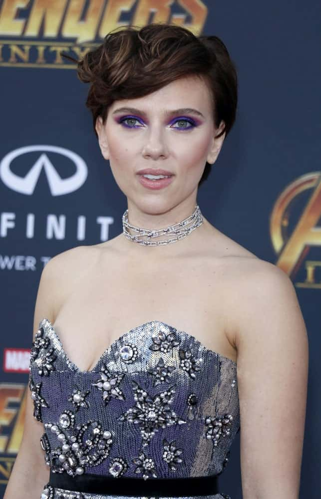 Looking for short haircuts? Scarlett Johansson's side-swept thick pixie cut will not just shorten your hair to a more manageable length but also give you a chic and edgy appearance.