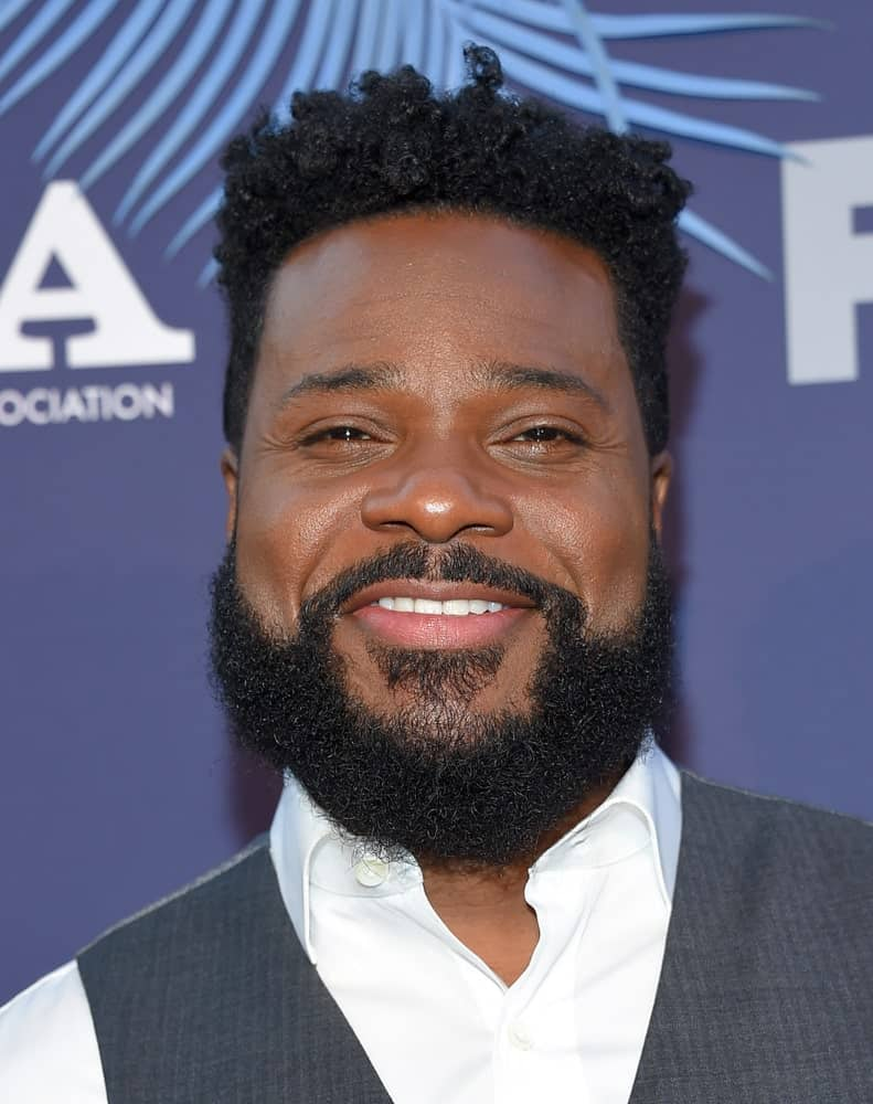 Looking for an incredibly short and bold dreadlocks hairstyle? Take a look at this one! This is Malcolm-Jamal Warner, an American actor wearing his dreads really short that resemble a pixie-hairstyle. His dreadlocks seem to be springing upwards due to being so short yet look really funky and wild.