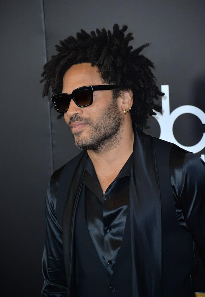 The handsome American singer and songwriter, Lenny Kravitz, rocks his dreadlocks flawlessly! His dreads are inspired by a pixie-hairstyle although they are not really short. His dreads appear to be thick and seem to be springing in different directions that give it a very funky look.