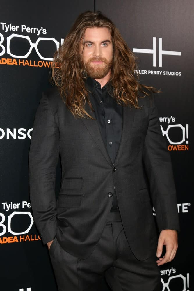 Talk about big, bold and loud - Brock O'Hurn is literally killing this amazing hairstyle with his long, messy and brown tresses that go well beyond his shoulders. His hair is extremely voluminous here. Not only does that add great texture and dimension to it, it just looks simply fantastic! It also gives quite a fierce style statement since he keeps his stunning locks long and flowing.