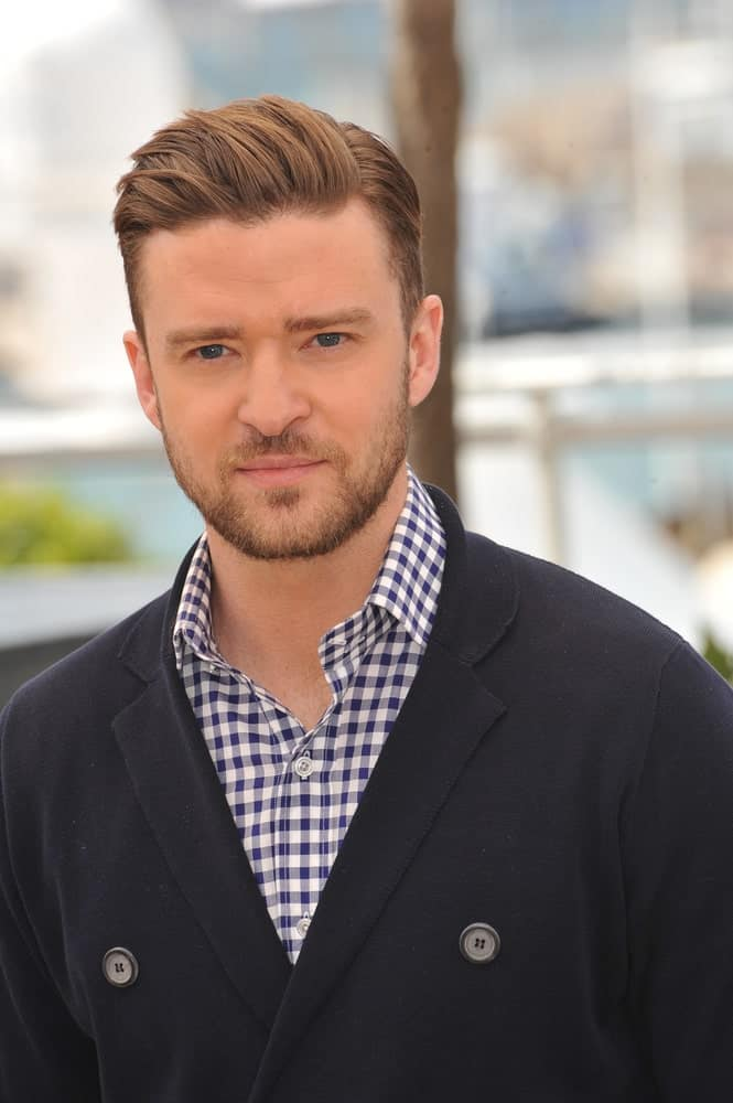 This is a type of a short undercut that is sported by none other than the ever-popular and gorgeous Justin Timberlake! He is looking just perfect in this hair style, especially with that unique brown hair dye. The front locks of his hair are a tad side-swept that add great dimension and texture to the hair. The light-colored beard further adds to the overall hairstyle. This is a great choice of undercut hair for those people who have a square or an oblong-shaped face.