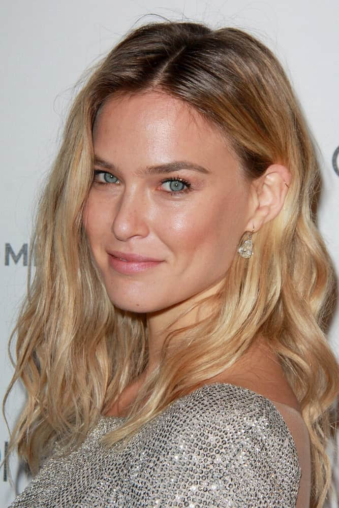 Bar Refaeli smiling