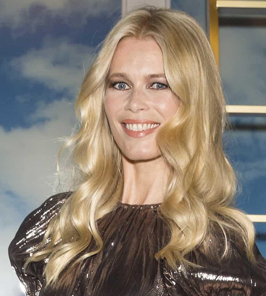 Claudia Schiffer smiling