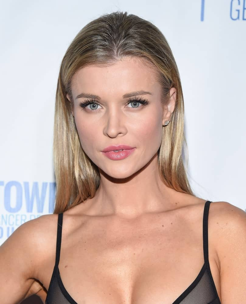 Joanna Krupa at an event