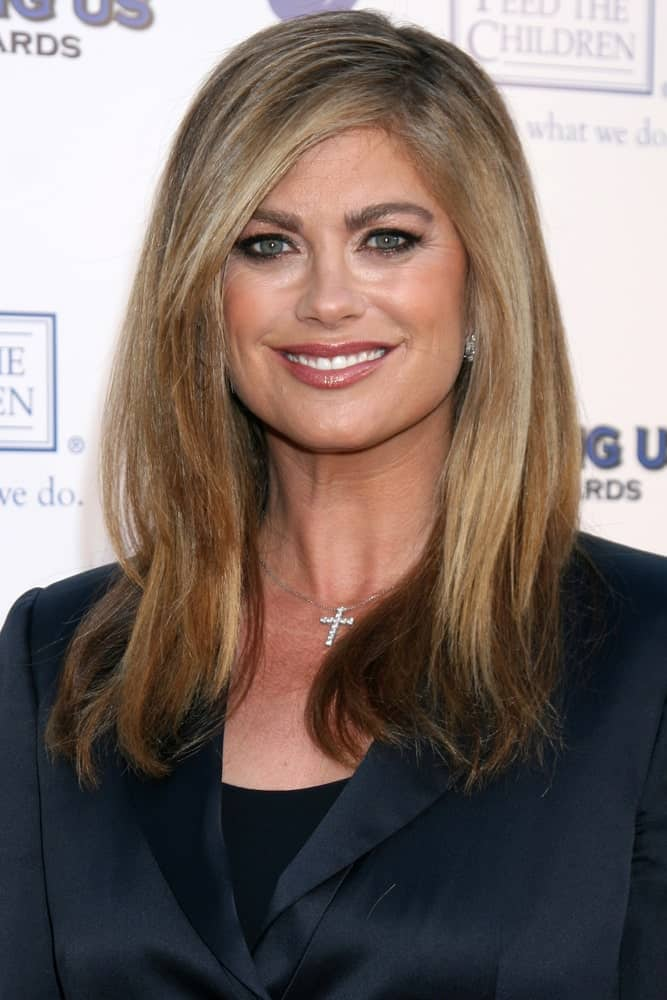 Kathy Ireland smiling