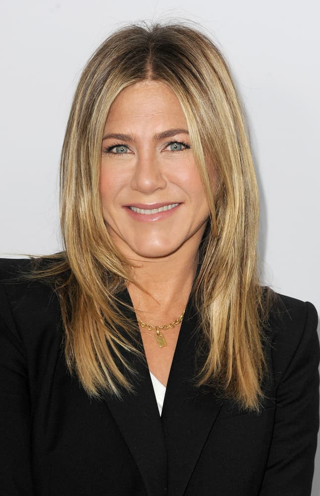 32.Jennifer Aniston with the rachel 2.0 hairstyle