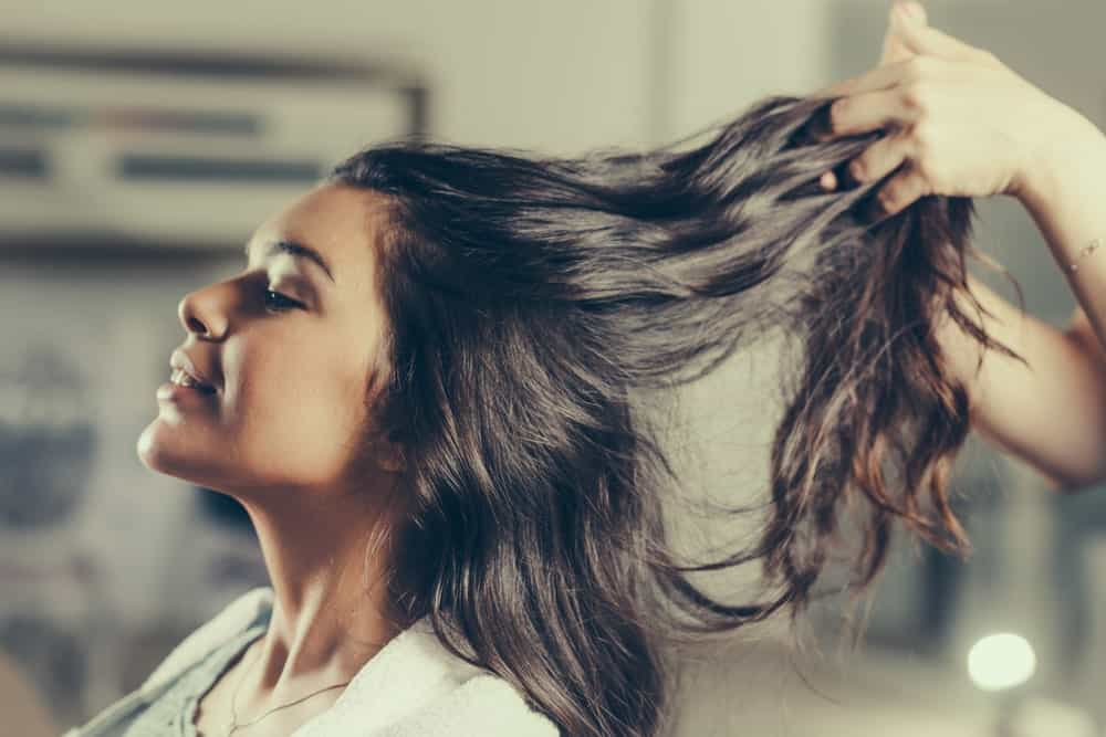 Hair styling with leave-in conditioner