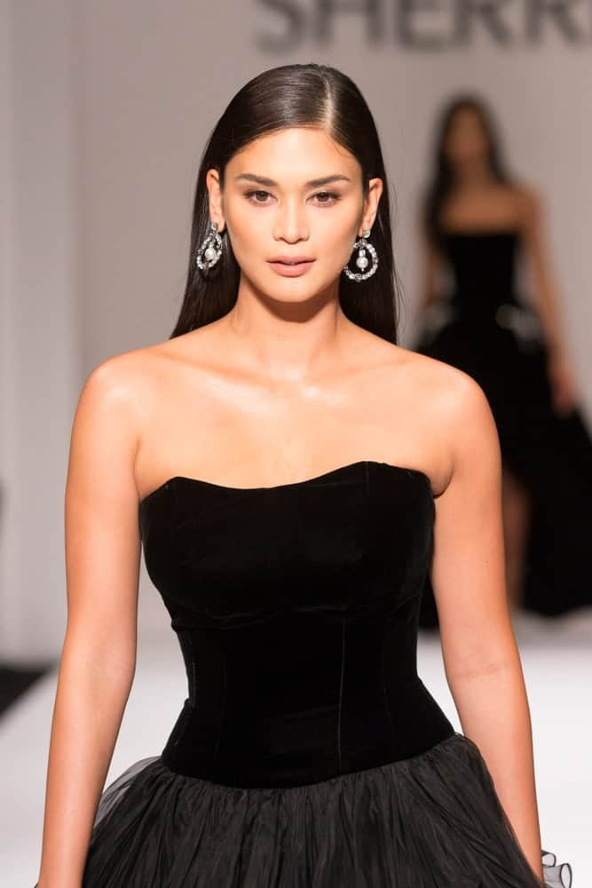 Pia Wurtzbach in a black dress