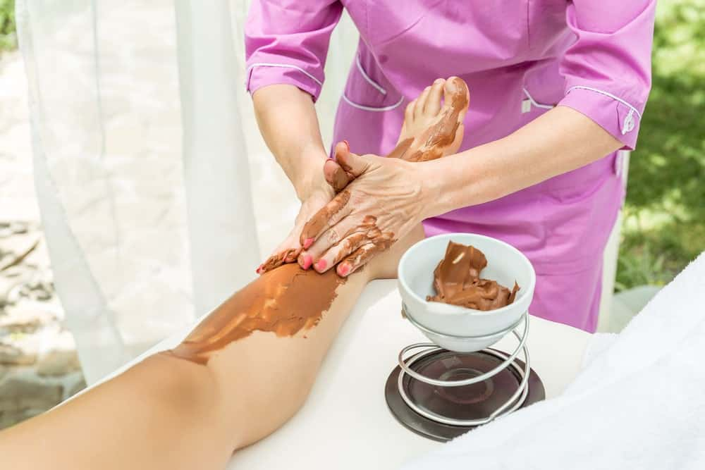 Pedicure using cocoa