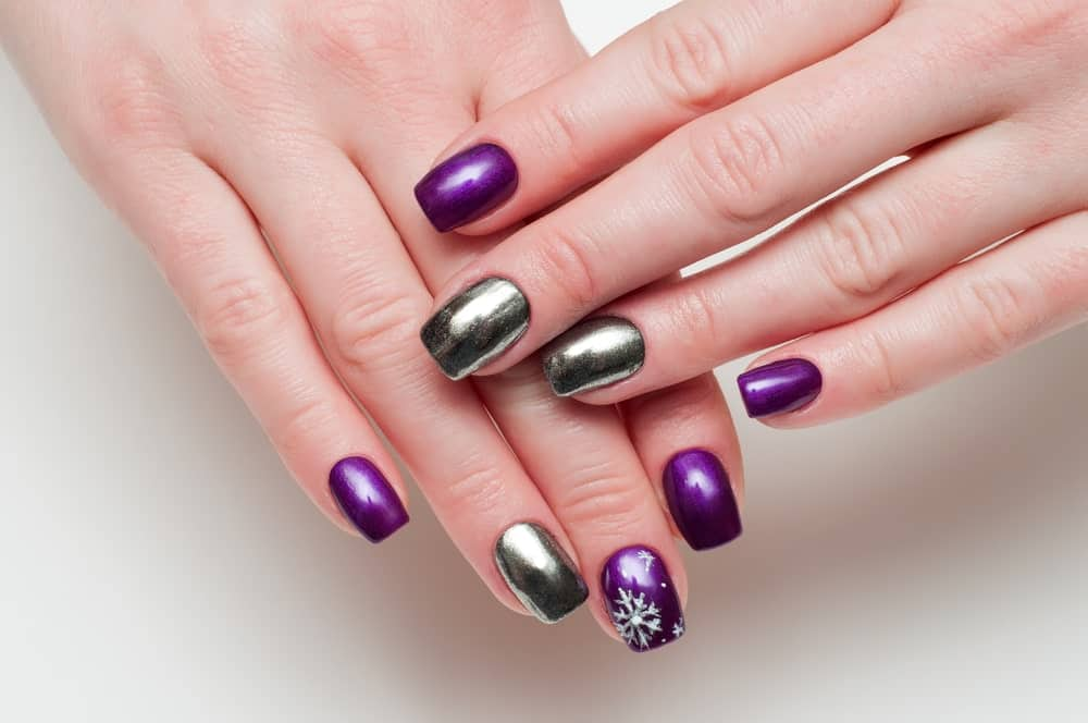 Mirror manicure on a woman's hands