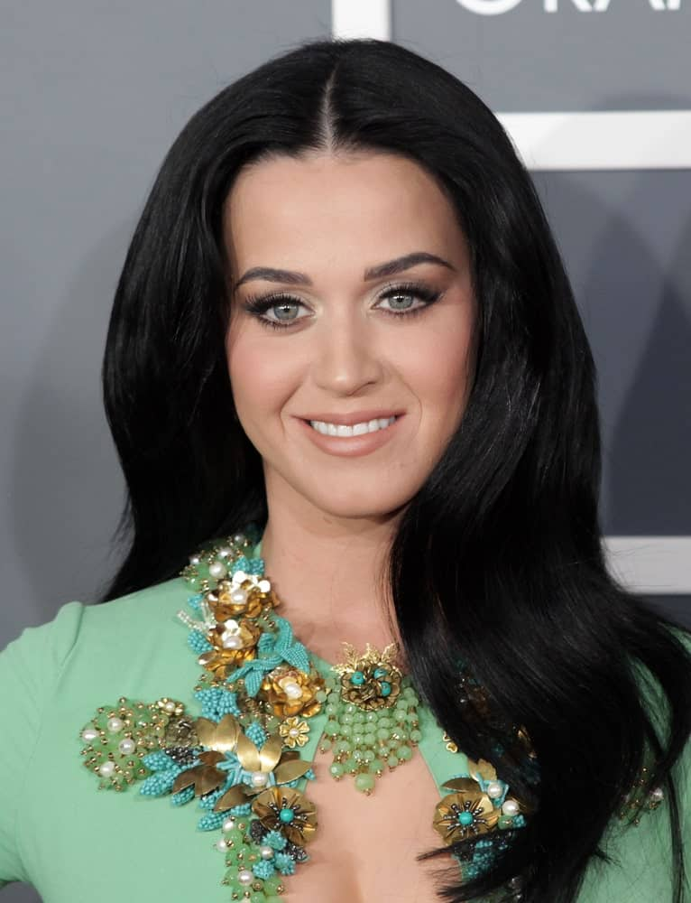 Katy Perry arrives to the Grammy Awards 2013 on February 10, 2013 in Los Angeles, CA.