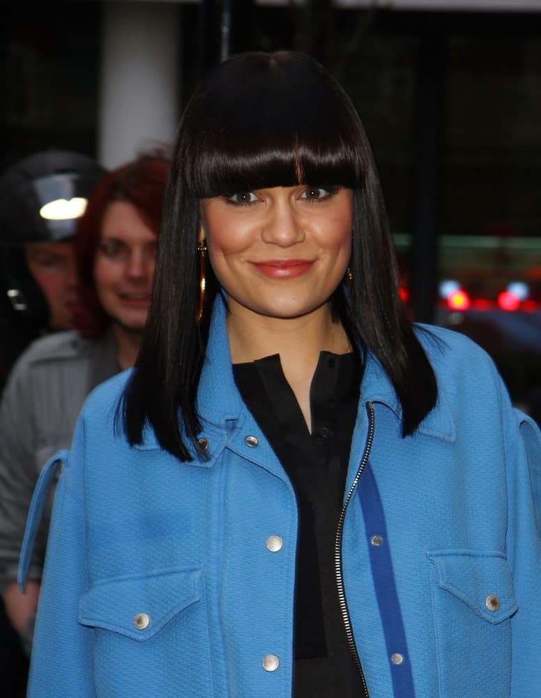 Jessie J was seen at BBC Radio Two Studios last Mar 13, 2013 in London with a Cleopatra look to her long raven hair paired with eye-skimmer bangs.