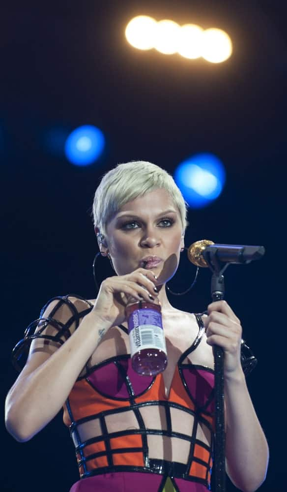 British singer Jessie J wore her short platinum blond hair in a side-parted hairstyle with a colorful dress during her performance at the Rock in Rio 2013 festival last September 15, 2013 in Rio de Janeiro, Brazil.