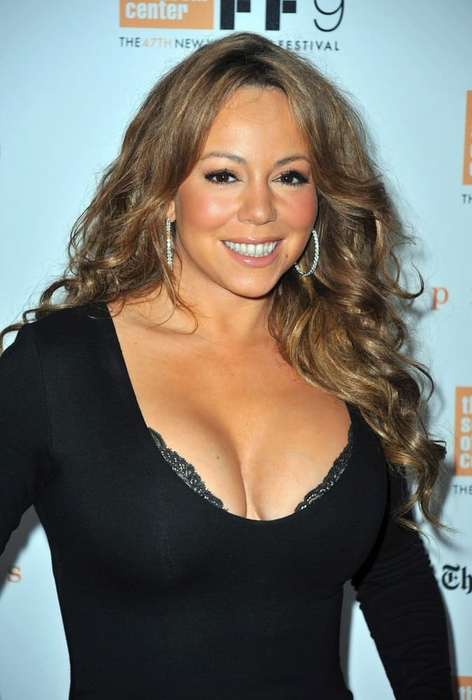 Mariah Carey smiles at the New York Film Festival Centerpiece Screening of PRECIOUS, Alice Tully Hall at Lincoln Center, New York, NY October 3, 2009.