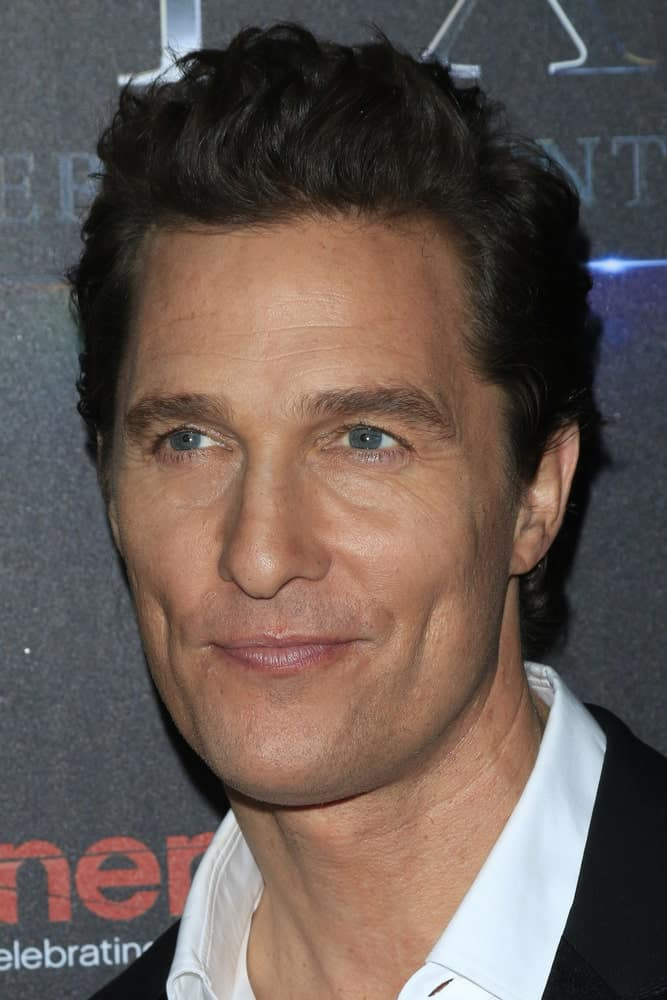 Matthew McConaughey had a slight pompadour style to his short raven curls at the STX Photocall – Cinemacon at the Caesars Palace last April 12, 2016 in Las Vegas.