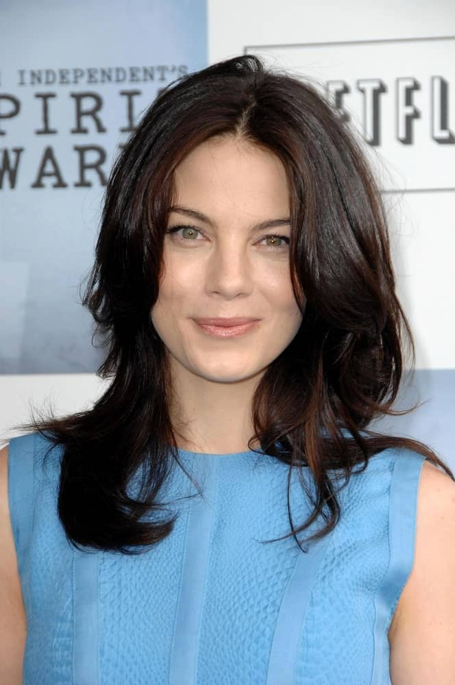 Michelle Monaghan was totally fresh with her brilliant blue dress and wavy dark hair parted in the middle at the 2009 Film Independent's Spirit Awards in the Santa Monica Pier.
