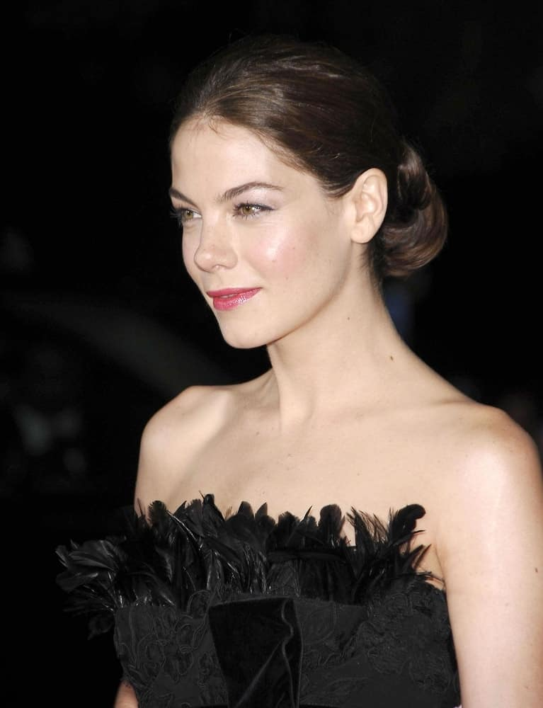 Michelle Monaghan poses at the premiere of THE HEARTBREAK KID held at Mann's Village Theatre, Los Angeles, CA on September 27, 2007.