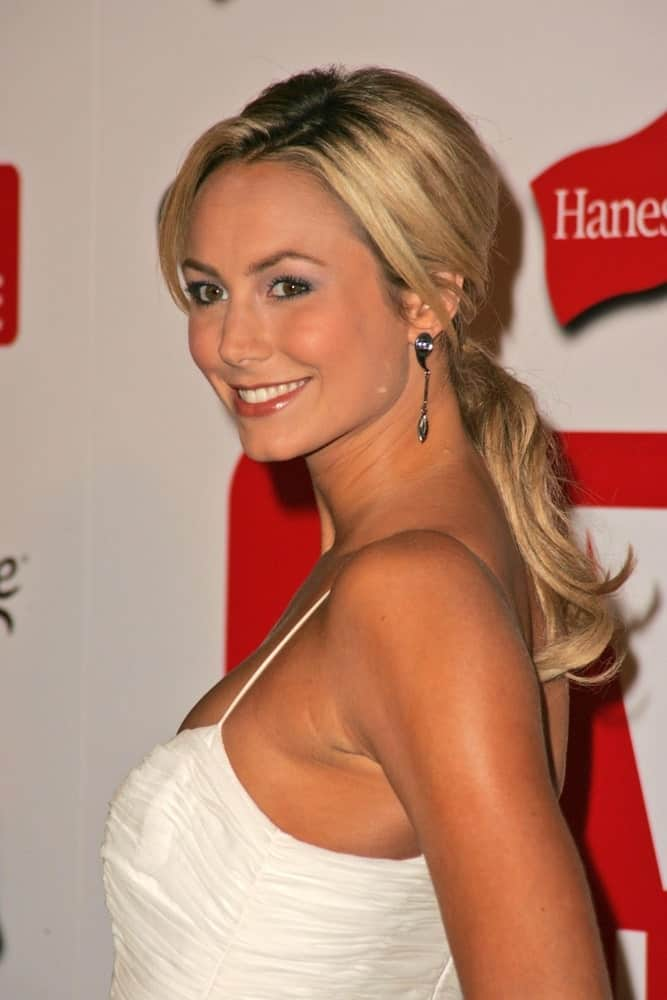 During the TV Guide Emmy After Party last August 27, 2006, Stacy showcases a sophisticated look showing off a classy ponytail hairstyle with sleek tendrils neatly placed on the sides.