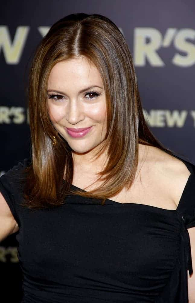 """With her chopped medium-length locks styled into a bob, the actress looked chic at the Los Angeles premiere of """"New Year's Eve"""" December 5, 2011."""