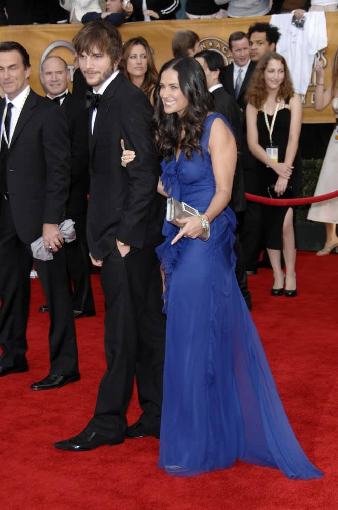 Ashton Kutcher was at the 13th Annual Screen Actors Guild Awards at the Shrine Auditorium on January 28, 2007 with Demi Moore. He wore a classy tux with his tousled and highlighted fringe hairstyle and trimmed beard.