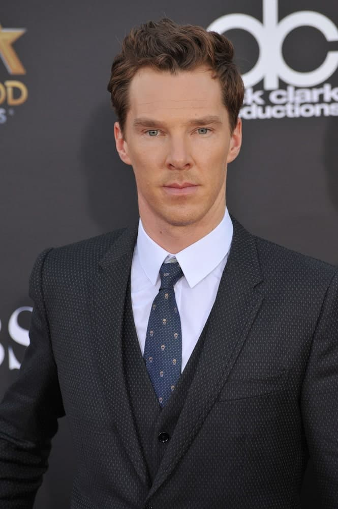 Benedict Cumberbatch arranged his brown wavy mane into soft spikes with highlights at the 2014 Hollywood Film Awards last November 14, 2014.