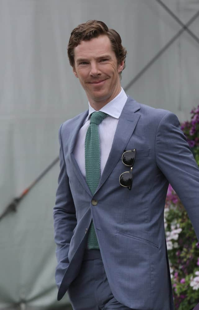 Benedict Cumberbatch's natural wavy locks styled in a deep side part during the Wimbledon Championships in London on Jul 12, 2015.