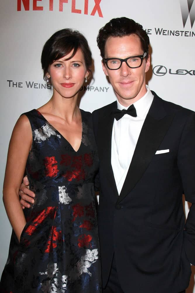 Benedict Cumberbatch with his wife Sophie Hunter attending The Weinstein Company / Netflix Golden Globes After Party last January 11, 2015. The actor looked different with his glasses on complemented with a long slicked back hairstyle.