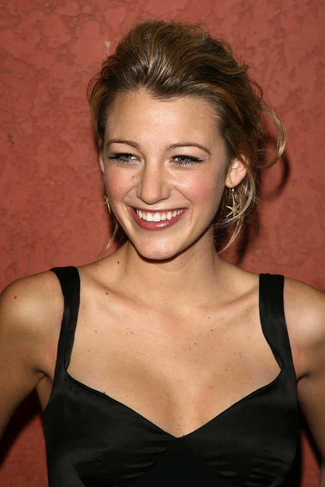 Blake Lively's highlighted dark hair was swept up into this messy upstyle for the Hollywood Life Magazine's Breakthrough of the Year Awards in Music Box, Hollywood back in December 10, 2006.