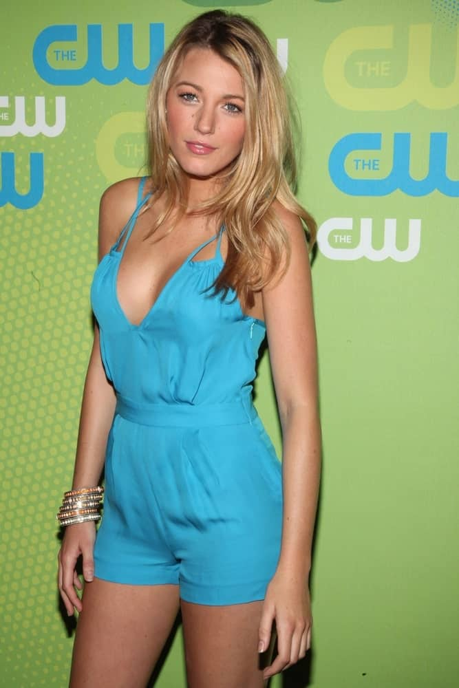 Blake Lively's blue Adam romper was a perfect match for loose and layered blond hairstyle at The CW Network Upfronts, Madison Square Garden in New York last May 21, 2009.