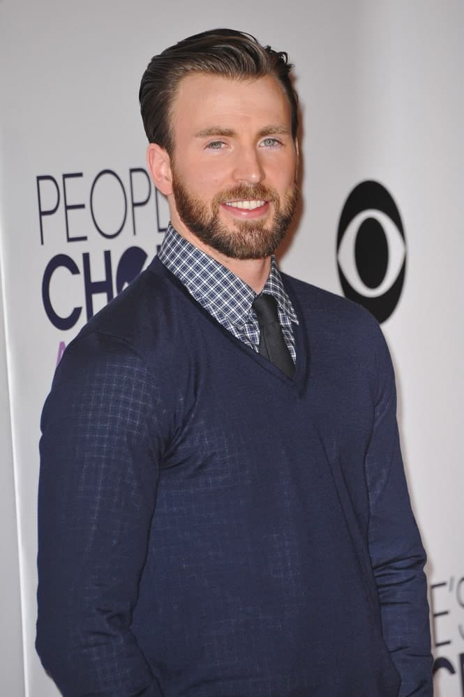 On January 7, 2015, Chris Evans sported a smart casual outfit with his side-parted pompadour hairstyle at the 2015 People's Choice Awards at the Nokia Theatre in downtown Los Angeles.