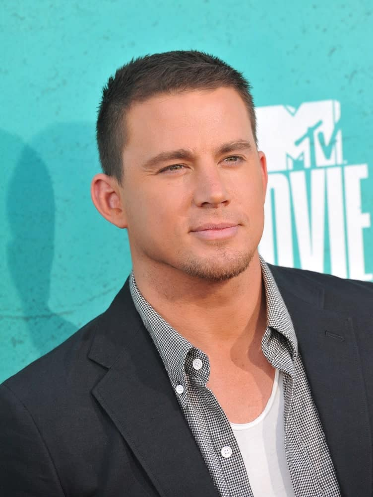 Crew cut is a short-type hairstyle that looks very simple. Here's Channing Tatum sporting the look the Universal Studios in Hollywood during the 2012 MTV Movie Awards.