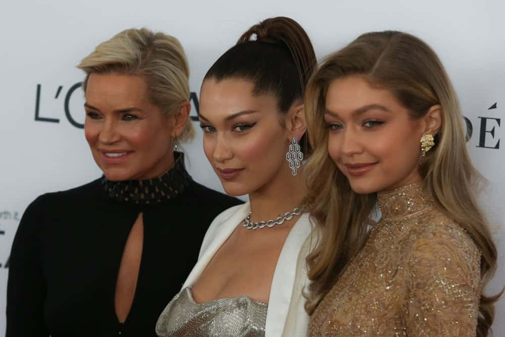 Gigi Hadid was with her sister and mother at the annual Glamour Women of the Year Awards ceremony in New York on November 13, 2017. Gigi was wearing a shiny detailed dress that perfectly paired with her side-swept wavy balayage hairstyle.