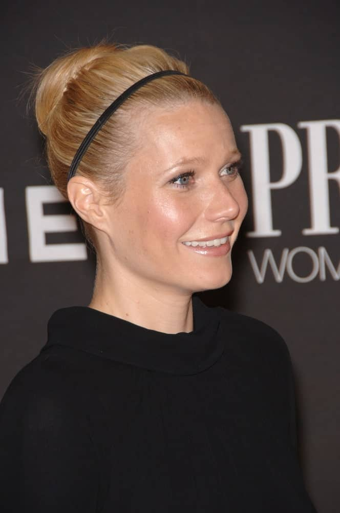 The actress styled her blonde locks into a neat high bun incorporated with a thin headband during the 13th Annual Premiere Magazine Women in Hollywood gala last September 20, 2006.