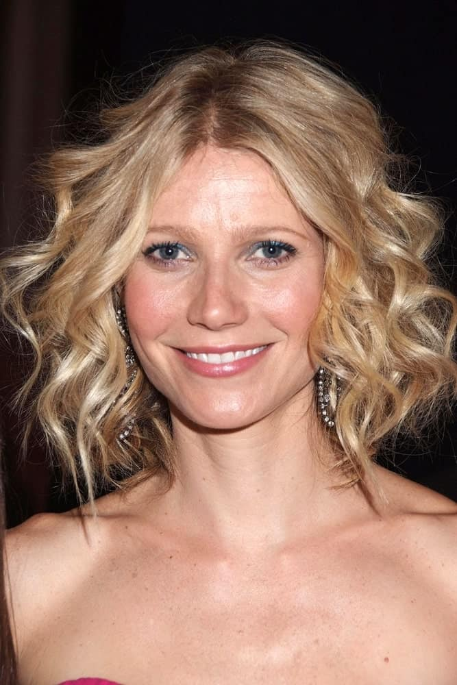 Gwyneth Paltrow styled her short blonde locks with sleek, defined curls at the INSIDE-The Breast Cancer Research Foundation Annual Spring Gala Benefit The Hottest Pink Party Ever on April 8, 2008.