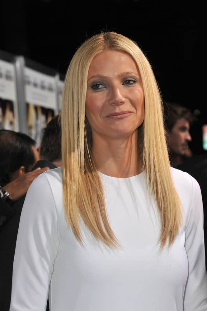 Looking all simple and classy, Gwyneth Paltrow showcased her long blonde hair with subtle layers during the premiere of