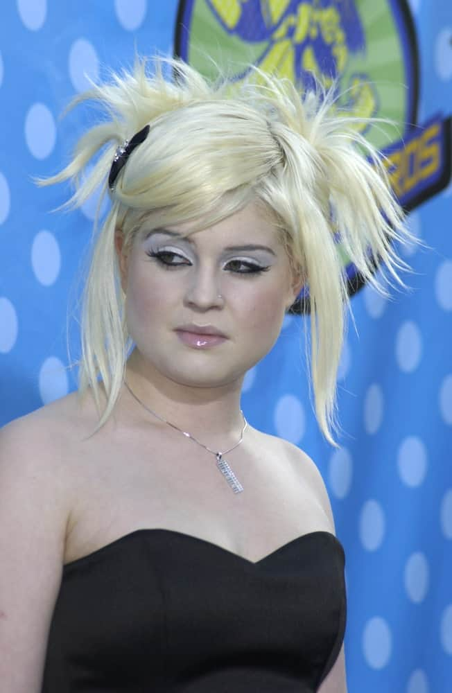 Kelly Osbourne in 2003. She now has a blonde hair during this time. The photo was taken at the 2003 MTV Movie Awards in Los Angeles, California.