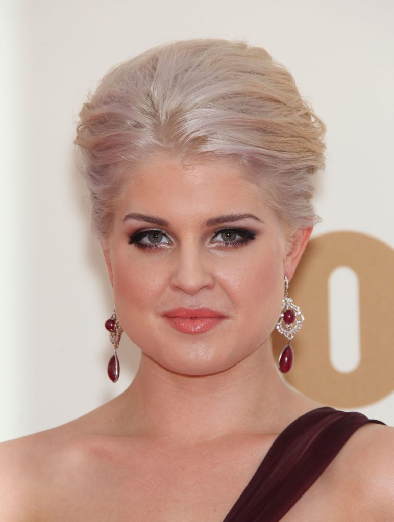Kelly Osbourne boasting her silver-colored hair, taken at the Emmy Awards 2012, 11th of August.