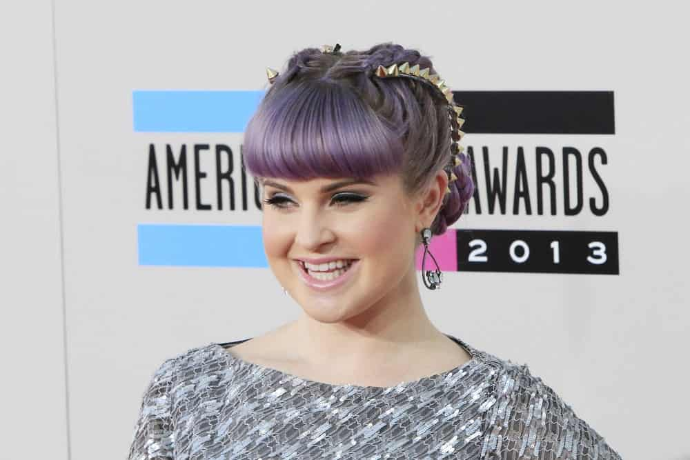 Kelly Osbourne still looking youthful and beautiful because of her right choice in her fashion and hairstyle. Photo taken on November 24, 2013.