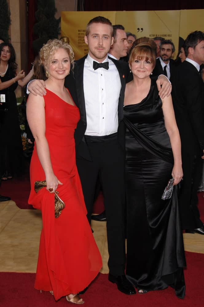 Ryan Gosling was with his mother and sister at the 79th Annual Academy Awards at the Kodak Theatre, Hollywood on February 26, 2007. Ryan Gosling paired his classy tux with a neat and short crew cut hairstyle.